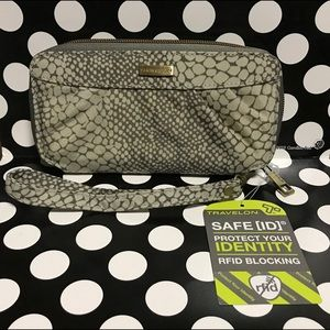Brand new Travelon RFID blocking wristlet